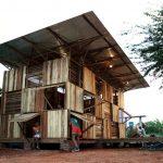 ไอเดียบ้านพักสไตล์เคบิน จากไม้เหลือใช้ เหมาะกับกระประยุกต์ทำเป็นบ้านสวน รวมทั้งร้านกาแฟ