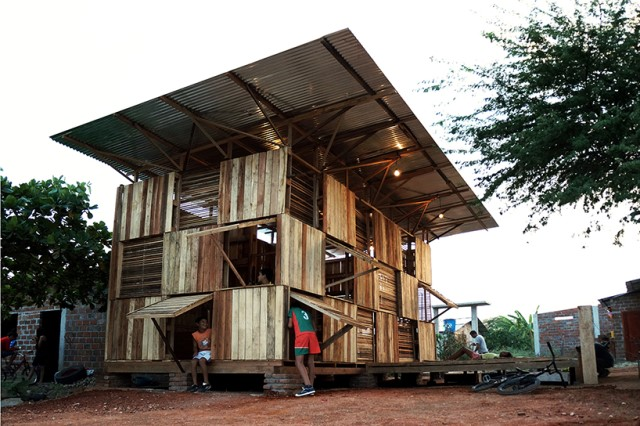 Wooden cabin house (2)