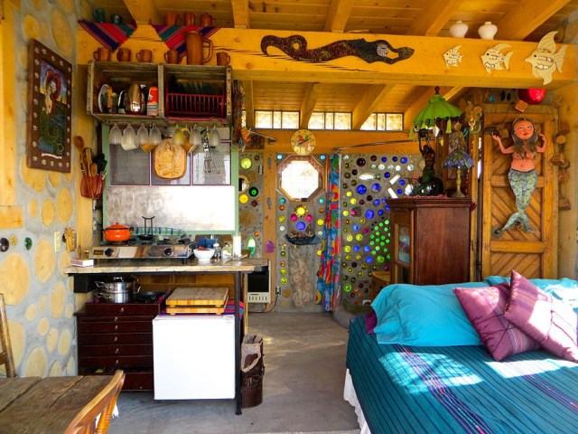 cabin houses small bedroom from recycled glass bottles (3)