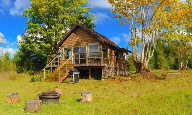 compact cabin cottage platform house (11)