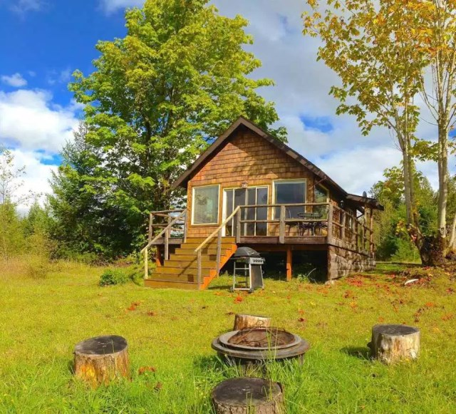compact cabin cottage platform house (15)
