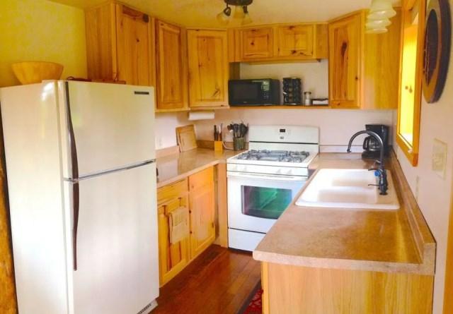 compact cabin cottage platform house (9)