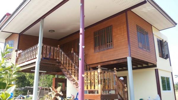 half wood half concrete thai rural house (4)