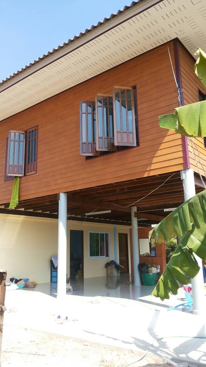 half wood half concrete thai rural house (5)