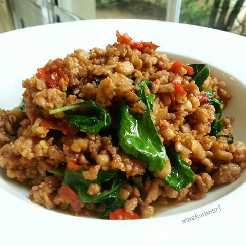 original fried basil with pork and rice recipe (3)