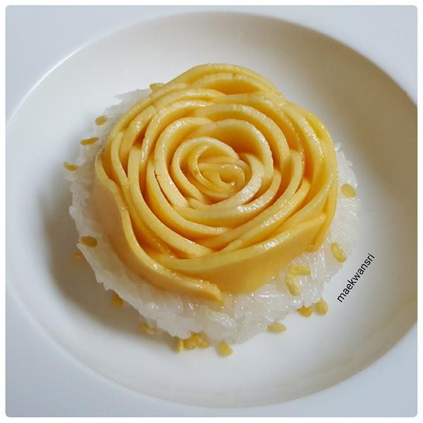 rose mango with sticky rice (1)