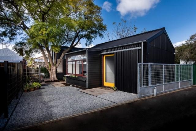 small Modern house minimalist design (16)
