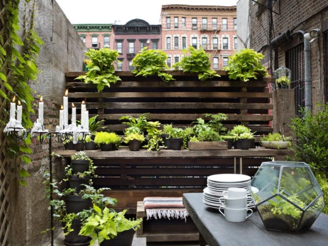 small-yard-balcony-and-roof-design-ideas (3)