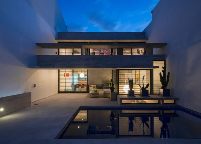 two-story Modern house decorated with cement With swimming pool (3)
