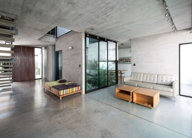 two-story Modern house decorated with cement With swimming pool (4)