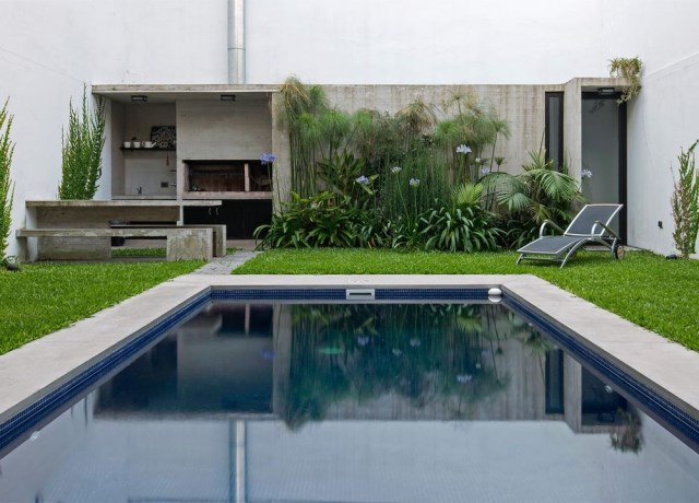 two-story Modern house decorated with cement With swimming pool (6)