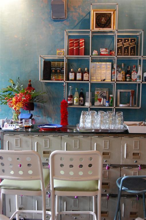 vintage restaurant renovation (36)