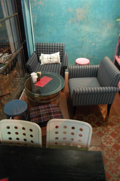 vintage restaurant renovation (39)