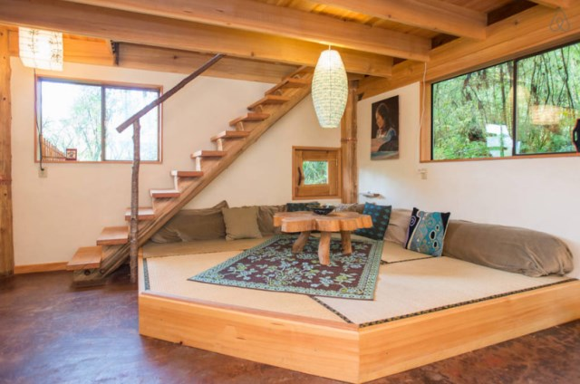 wooden Bunk Cottage House (3)