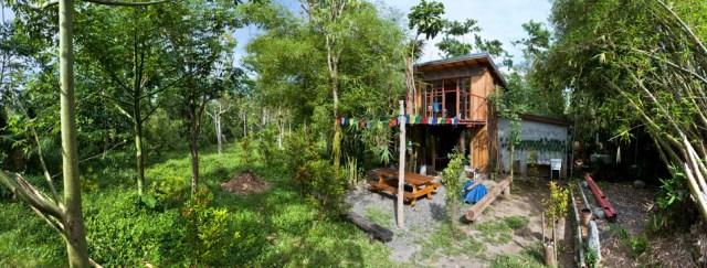wooden Bunk House Modern Cabin Design (6)