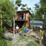 บ้านสวนสองชั้น ออกแบบโมเดิร์นเคบิน ตกแต่งด้วยไม้ทั้งหลัง ภายในตกแต่งเรียบง่าย โดนใจคนไทย