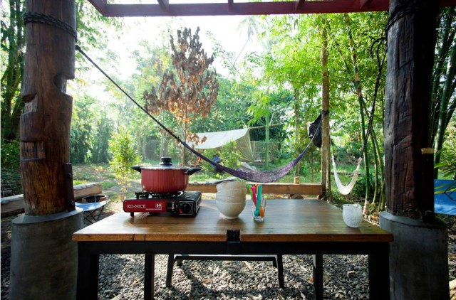 wooden Bunk House Modern Cabin Design (8)