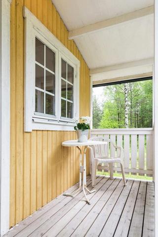 yellow studio cottage (3)