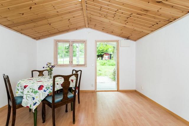 yellow studio cottage (5)
