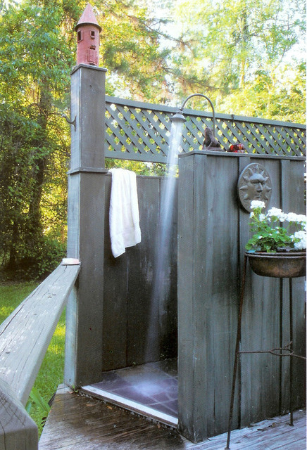 16-amazing-ways-to-set-up-outdoor-shower (15)