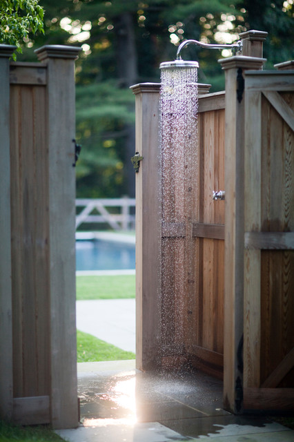 16-amazing-ways-to-set-up-outdoor-shower (2)