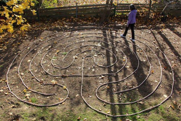 17-fascinating-diy-backyard-fun-for-kids (5)