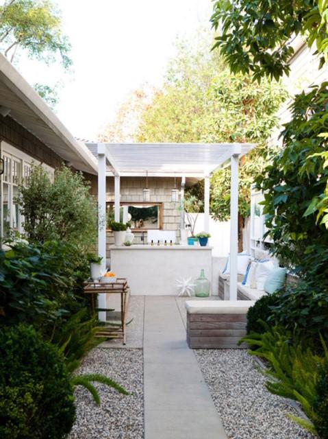 20-backyard-with-narrow-space (14)