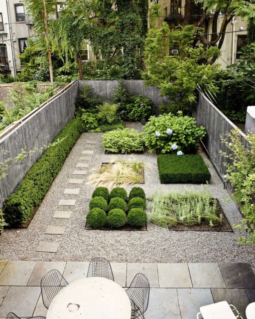 20-backyard-with-narrow-space (3)