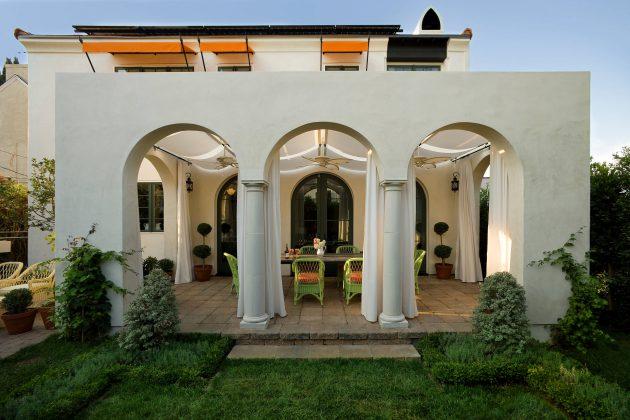26-mediterranean-patio-designs (11)