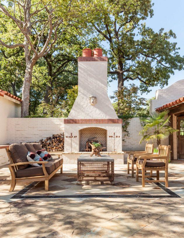 26-mediterranean-patio-designs (13)