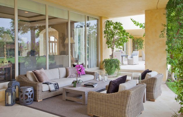 26-mediterranean-patio-designs (2)