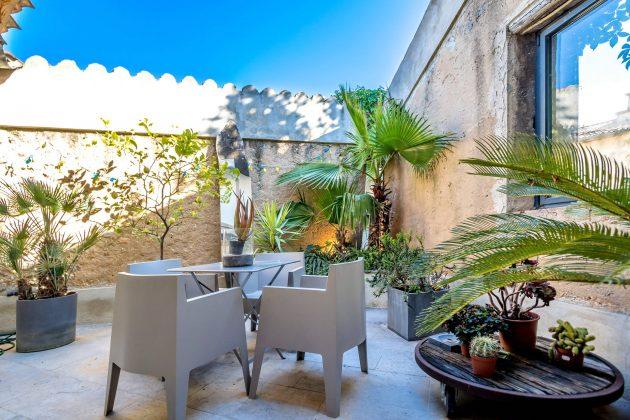 26-mediterranean-patio-designs (4)