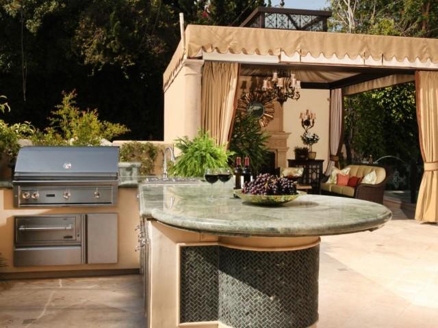 55-outdoor-kitchen-designs (16)