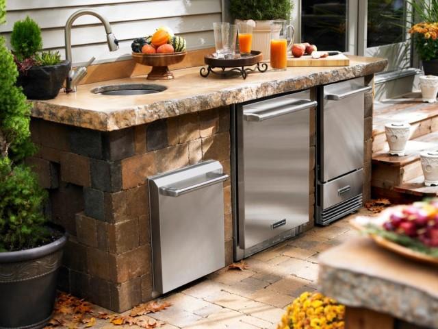 55-outdoor-kitchen-designs (3)