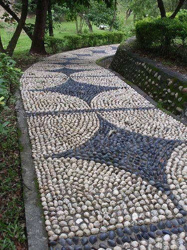 77 stone path ideas for gardening (16)