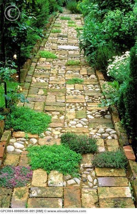 77 stone path ideas for gardening (24)
