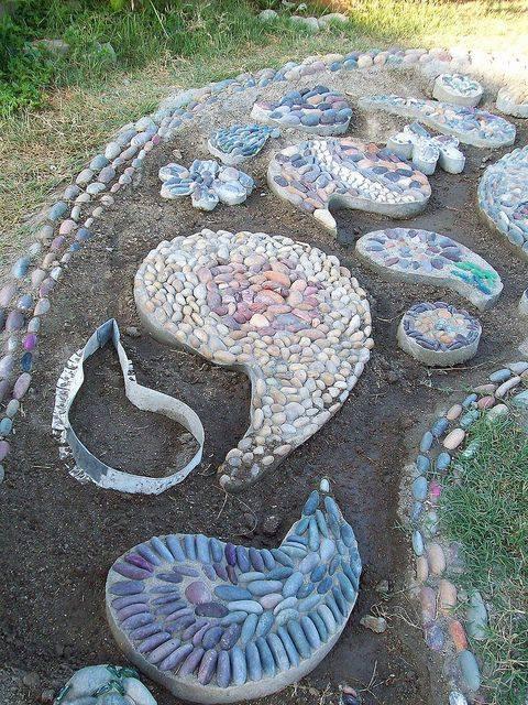 77 stone path ideas for gardening (38)