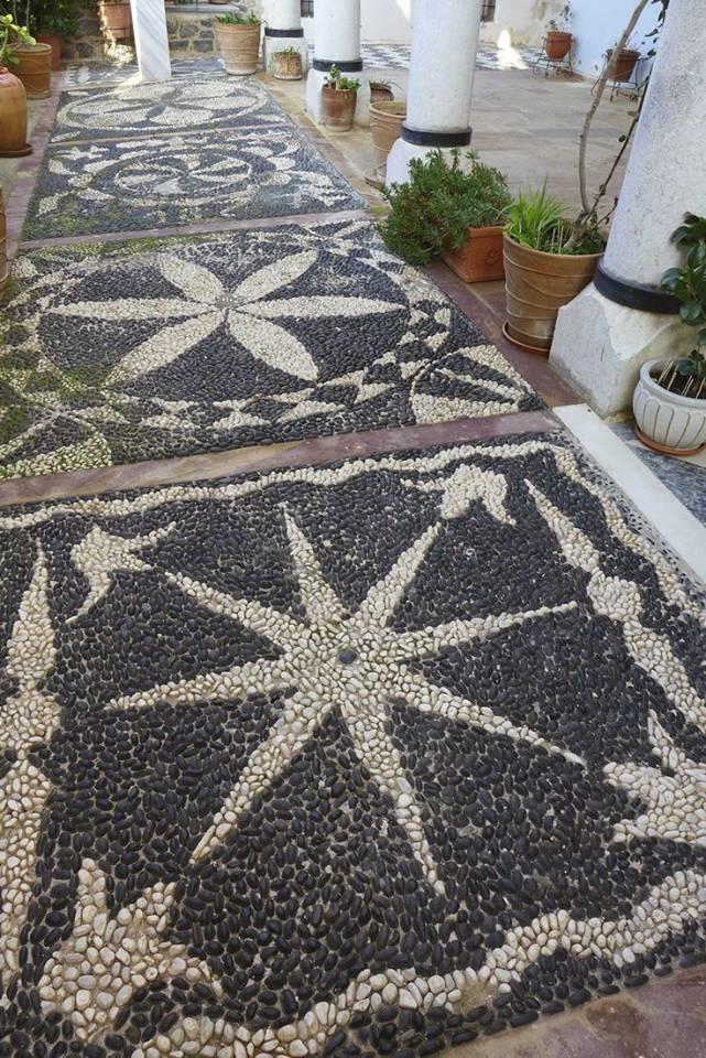 77 stone path ideas for gardening (47)