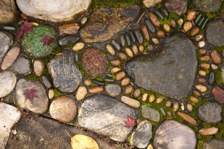 77 stone path ideas for gardening (57)