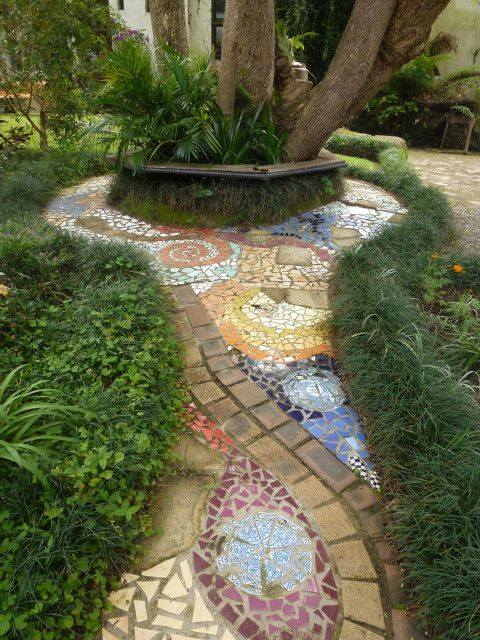 77 stone path ideas for gardening (73)
