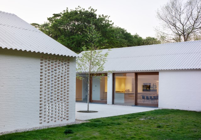 Modern cottages houses Minimalist decor (7)