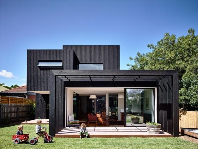 Modern home dark tone with Beautiful gardens (11)