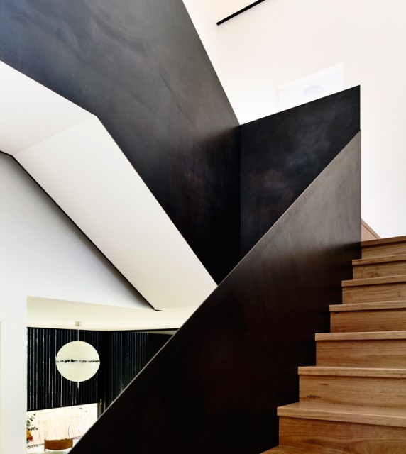 Modern home dark tone with Beautiful gardens (5)