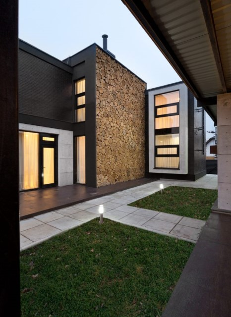Modern house beautiful and dignified Decorated with concrete wood and steel (12)