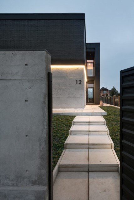 Modern house beautiful and dignified Decorated with concrete wood and steel (7)