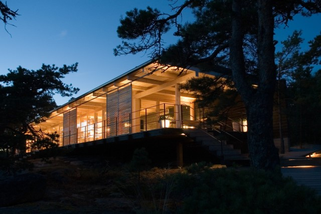 Modern villa of modern materials on the Hill (4)