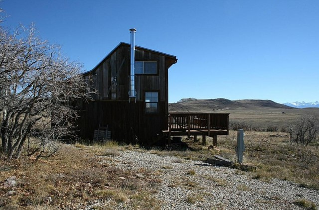 Small home Modern Cabin Design wood porch (7)