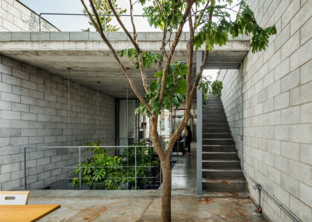 Town House Modern style cement decor (6)