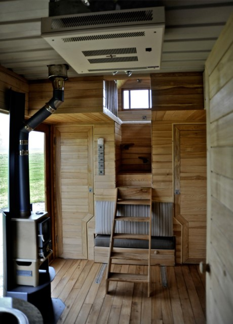 Wooden cottage House with outdoor kitchen (5)