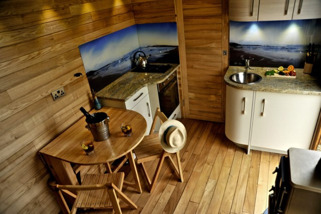Wooden cottage House with outdoor kitchen (7)